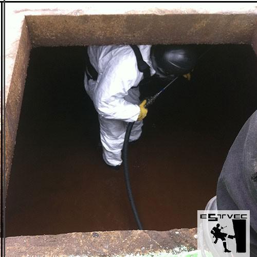 Limpeza da caixa d'água industrial