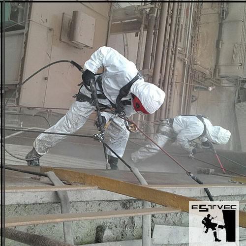 Limpeza de fachadas em altura